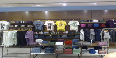 al revés Faial Persona con experiencia  UNITED COLORS OF BENETTON offers in Srinagar | Running Sale and Discount  offers in Gogji Bagh | Apparel offers in Srinagar, Jammu and Kashmir,  UNITED COLORS OF BENETTON Srinagar, UNITED COLORS OF